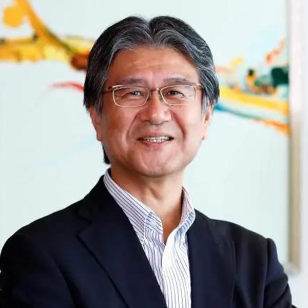 石井 龍夫氏