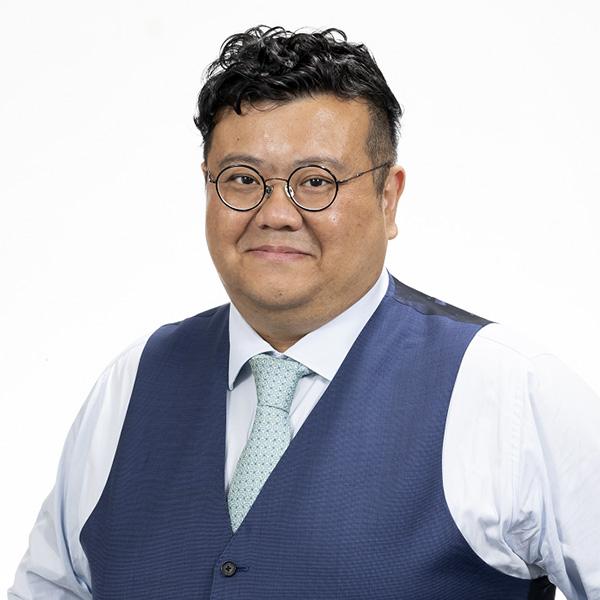 蕭 偉城氏
